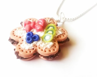 Cake Necklace Chocolate Cake Pendant ( food necklace polymer clay jewelry fruit cake necklace kiwi blueberry kawaii jewelry food jewellery )
