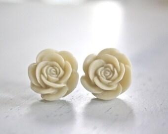 Cream Rose Post Earrings, Bridesmaids Jewelry, Bridal Jewelry, Wedding Jewelry, Studs, Bridesmaid Gifts, Bridesmaid Earrings Best Friend Mom