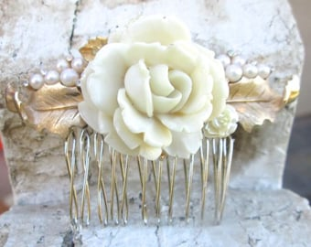 Wedding Hair Comb Bridal Accessory Pearl Vintage Styled Hairpiece Vintage Trifari Jewelry Hairpin Accessories