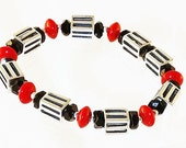 Silver Bead Bracelet with Black and Lipstick Red Glass Beads, 6 inches (15 cm) S to M, Comfortable Easy Fit Stretch Elastic Bracelet