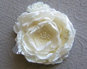 Bridal hair flower . Fabric flower hair clip . lace and fresh water pearls