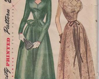 1940's Misses' Dress With Detachable Peplum Simplicity 2706 Size 14 Bust 32