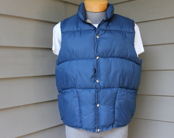 vintage 70's - 80's -Red Head- Men's puffy vest.  'New Old Stock'. Reversible - Blue / Khaki.  Large