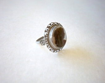 Vintage Mother of Pearl Carved Cameo Ring 10k White Gold Sterling Silver