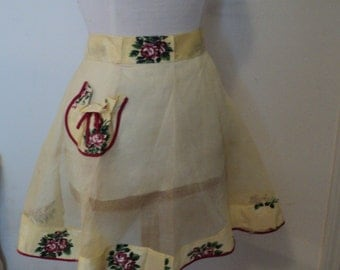 Vintage Apron with Rose Pocket Holiday Christmas Reduced Price