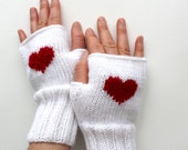 Valentines Day / Knitting Fingerless Gloves. Fashion 2014 . Love. Red. Heart. FRONT PAGE / Winter collection. White  January Gift