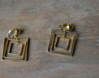 1980's Gold Square Clip On Earrings