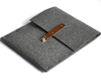 MacBook 13 Retina Sleeve Case Cover grey synthetic felt black leather briefcase handmade by SleeWay