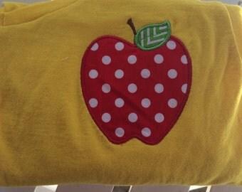 School/teacher apple appliquéd tshirt