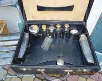 vintage leather makeupcase