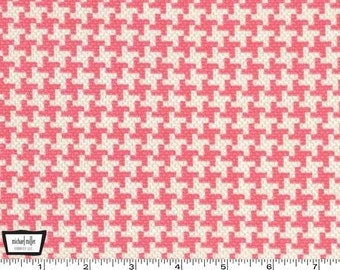 SALE - Textured Basics - Vintage Houndstooth Salmon Pink by Patty Young from Michael Miller