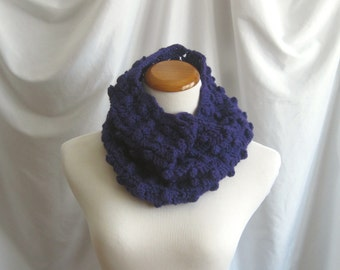 Cowl Purple Wool Cowl - Crochet - Bobbles