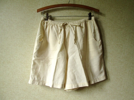 Pale Yellow Linen Shorts Vintage 90s highwaisted shorts summer beachwear drawstring loose fit elastic waist womens medium