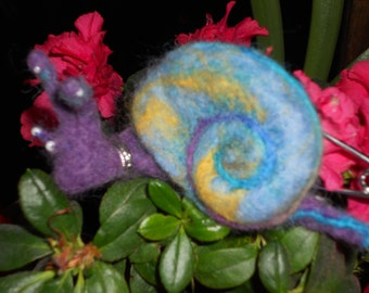 OAK Blue SNAIL BROOCH Needdle Felted - Made By Order