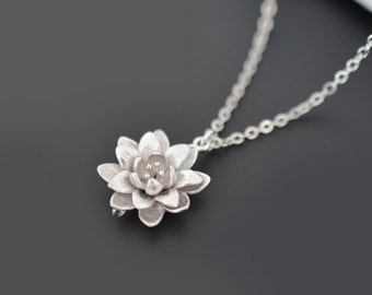 SALE, Chrysanthemum necklace, silver necklace, Flower necklace, Wedding necklace, Bridal jewelry, Bridesmaid gift,Anniversary,Christmas gift
