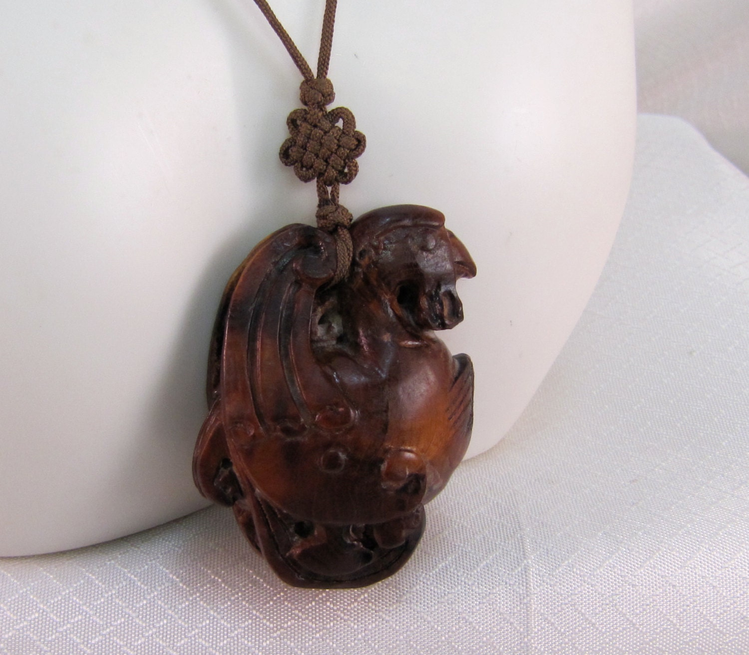 Vintage carved boxwood netsuke bird pendant