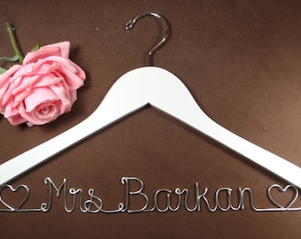 Hanger with Hearts for your wedding pictures, Personalized custom bridal hanger, brides hanger, Bridal Hanger, Wedding hanger, Bridal