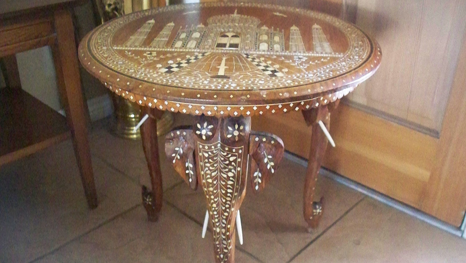 Antique INDIAN ELEPHANT Taj Mahal Motif Side Table Carved