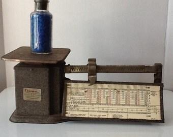 Vintage Machine Age Triner Postal Scale
