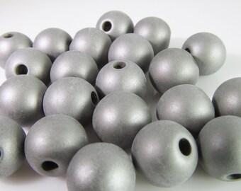 40 Vintage 10mm Round Matte Silver Beads Bd1147