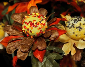 CAKE POPS: Edible Flowers, Flower Cake Pops, Wedding Favors, Bridal Shower Favors, Recuerdos Para Quinceanera
