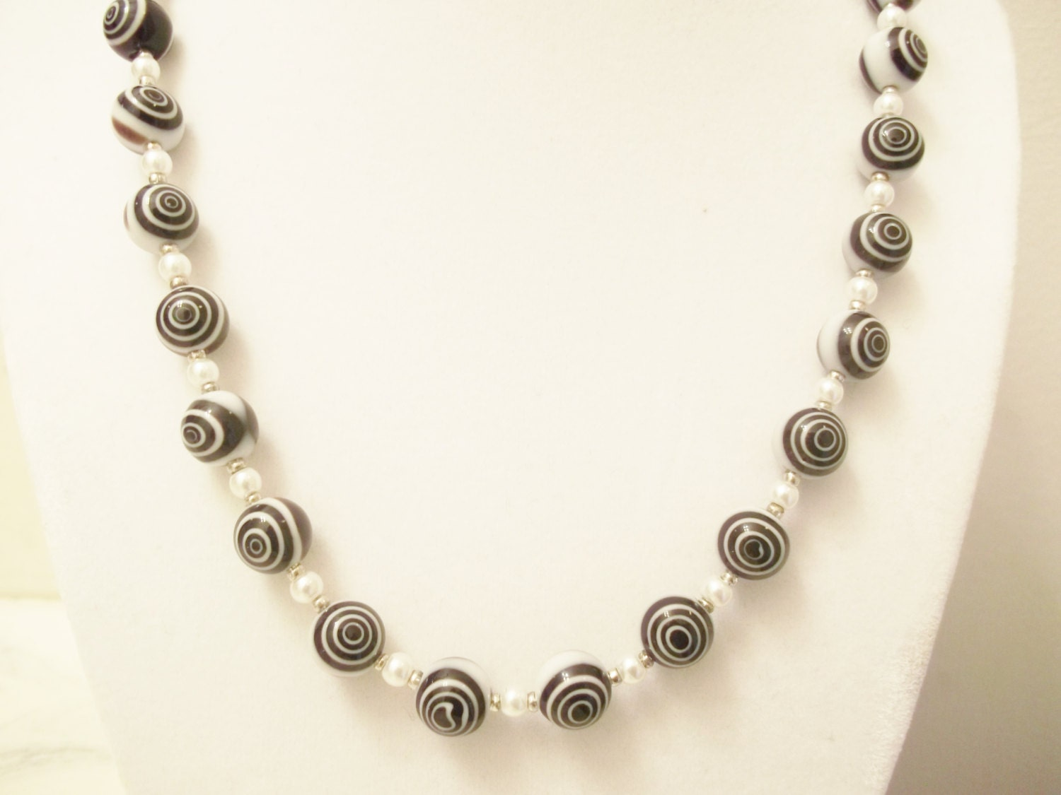 handmade jewelry beaded necklace black white necklace