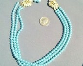 Vintage classic necklace with rhinestone clasp