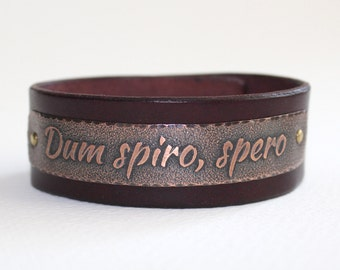 Dum spiro, spero - While I breathe, I hope - Mens leather bracelet,  inscription in Latin