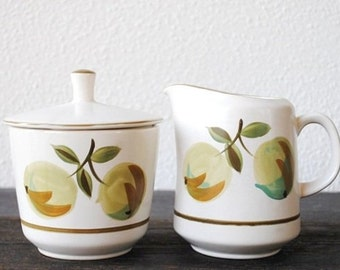 "Vintage Coffee Breakfast Set Creamer & Sugar Bowl with Lid, Casual Ceram Pottery Green Fruit ""Longchamps"""