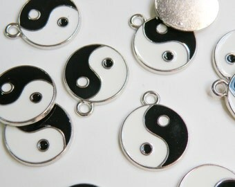 10 Yin Yang enamel charms black and white zen meditation silver finish 25x20mm DB12096