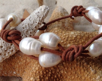 Freshwater pearl and leather bracelet. Free shipping to US.