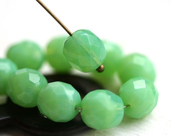 8mm Opal Green round beads, Czech glass Lime green fire polished, faceted beads - 15Pc - 1798