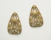 Raw Brass Filigree Charm, Earring Dangle, Triangle Charm, Brass Pendant 17mm x 25mm - 6 pcs. (r110)