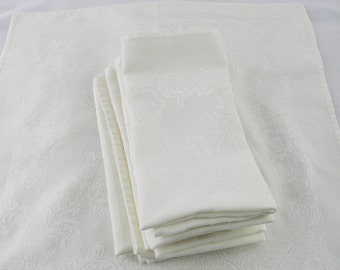 6 ivory cloth napkins, perfect for vintage decor or the Victorian decor table!