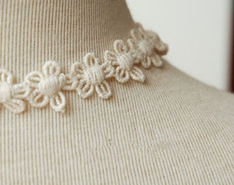 ivory lace fabric trim, daisy lace trim