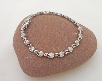 Vintage Bracelet, Classic and 925 Sterling Silver Lovely With Clear Glass Stones  Bracelet, Vintage Sterling Silver Bracelet, UK Seller