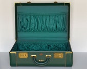 vintage 50s green suitcase Reliable luggage Pittsburg