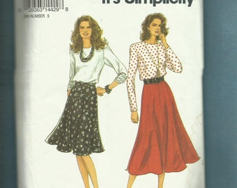 Simplicity 8570 Flared Eight Gore Skirts & Long Sleeve Tee Shirts Sizes 8 to 18 UNCUT
