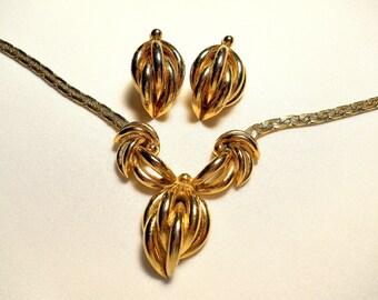 Gold Tone Necklace and Pierced Earring Set Demi Parure Vintage
