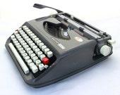 Vintage Typewriter, Working Typewriter, Grey / Graphite Typewriter, Manual Typewrite, Brother 440T, keyboard QWERTZ, Travel Typewriter