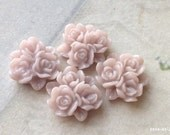 15 mm Tan Brown Resin Flower Cluster Cabochons (.ag)