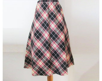 Vintage Plaid Skirt // Vintage 80s Skirt // 80s Plaid Skirt // Full Plaid Skirt S/M