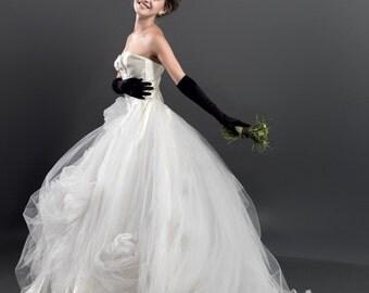 MELETE Handmade Flowers Romantic Long Bridal/ Wedding Dress