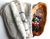 CRYSTAL HEALING KIT --- 38 stone set--- chakra stones, quartz points, set of three grid cloths, grounding and protection stones