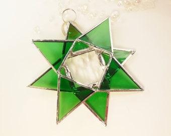 Christmas Star. Green Stained Glass Star. Suncatcher, Christmas Ornament.