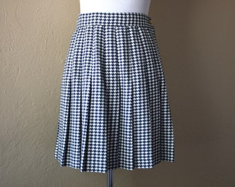 Vintage Navy and White Houndstooth Pleated Skirt