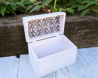 White SHABBY CHIC / Rustic Wood Recipe Box - 4 x 6 Recipe Card Holder