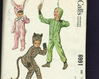 Vintage 1963 McCalls 6991 Mid Century Footie Costumes Bunny Martian Cat Size 10 Kids