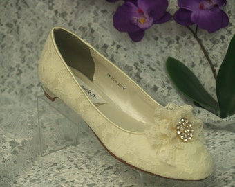 Ready to Ship Size 8 Wedding Ivory Lace shoes with handmade lace adornment and Crystals brooch, Victorian Retro feel, low heel, comfortable