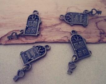 20pcs  Antique Bronze door with key Charm pendant  8mmx18mm